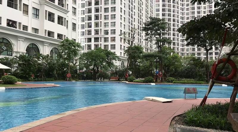 Bể bơi ngoài trời Vinhomes Royal City